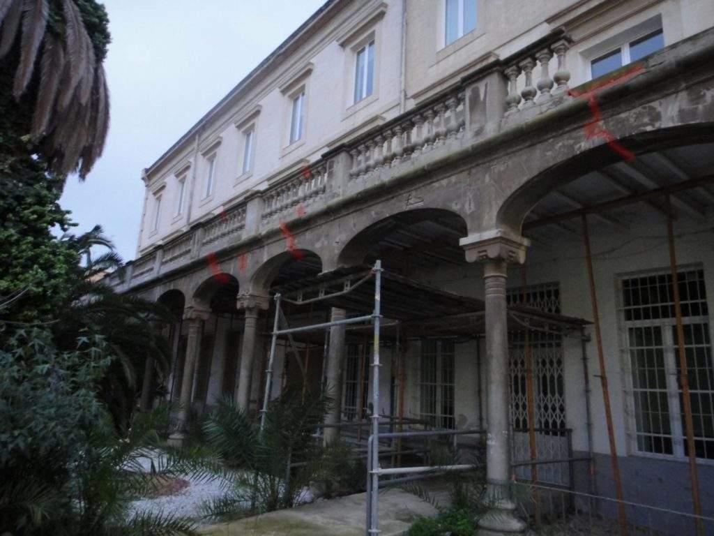 grietas-fachada-casa-misericordia